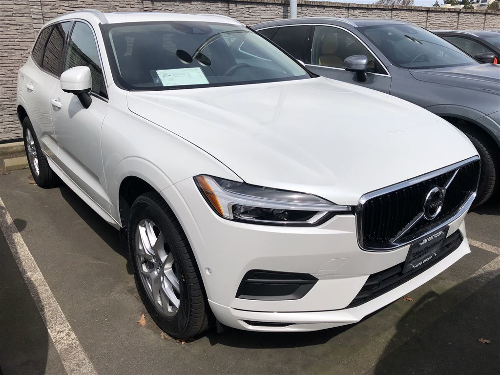 certified pre owned 2018 volvo xc60 t5 momentum sport. Black Bedroom Furniture Sets. Home Design Ideas